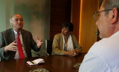 Jean-Paul de Gaudemar en grande discussion avec Philippe Germain.
