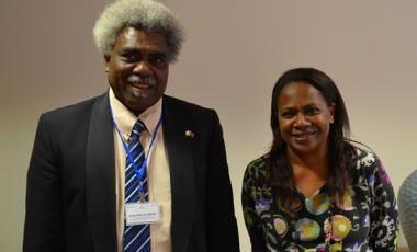 Hélène Iékawé et Jean-Pierre Nirua, ministre de l'Éducation et de la francophonie du Vanuatu.