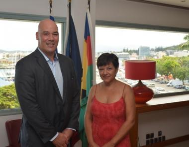 M. Justin Peter FEPULEAI, nouveau Consul de Nouvelle-Zélande et Mme Cynthia LIGEARD, Présidente du gouvernement