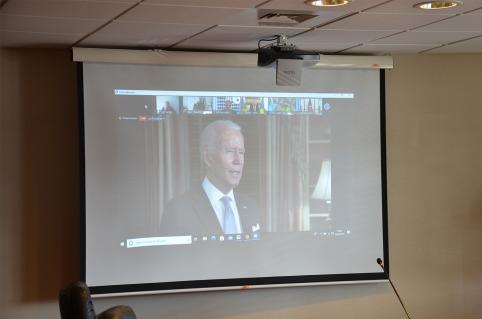 Joe Biden s'est adressé aux membres du FIP en vidéo.