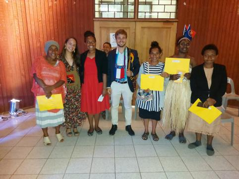 Les étudiants ont reçu leurs certificats de langue française et indonésienne.