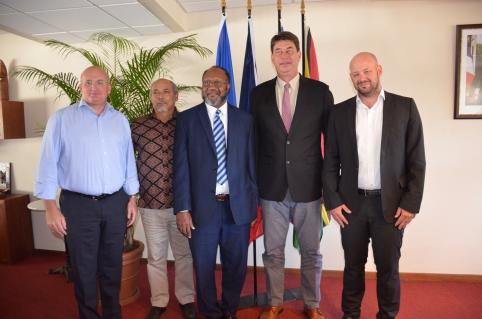 Les membres du gouvernement Christopher Gygès et Yoann Lecourieux ont aussi assisté à la rencontre.