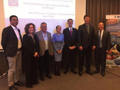 Les représentants de PTOM français avec Sylvie Millot de la Commission européenne et des députés européens, dont Stéphane Bijoux de la Réunion.