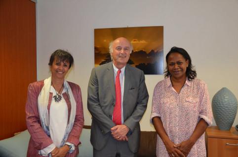 La veille, le recteur de l'AUF et Ouidad Tebbaa, directrice régionale Asie-Pacifique de l'AUF, avaient été reçus par Hélène Iékawé, membre du gouvernement en charge de l'enseignement.