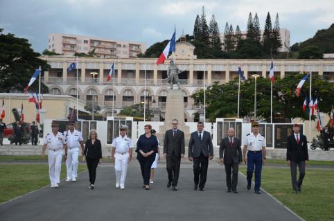 À l'occasion de la présence à la CPS de la ministre australienne des Affaires étrangères, Marise Payne, une cérémonie militaire a eu lieu place Bir-Hakeim.