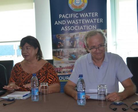 Lusia Sefo-Leau, directrice générale de la PWWA, et Didier Gaujous, directeur général de la Calédonienne des Eaux.