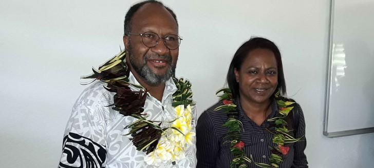 Le Premier ministre Charlot Salwai et la membre du gouvernement Hélène Iékawé.