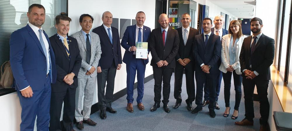 À Canberra, Christopher Gygès s'est entretenu avec Andrew Barr, chef du gouvernement du Territoire de la capitale australienne.